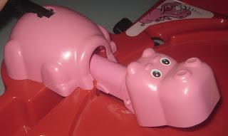 hippo-glouton en train de sortir sa tête