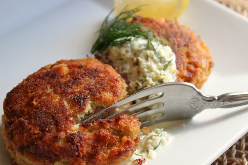 Easy Salmon Cakes With Canned Salmon
