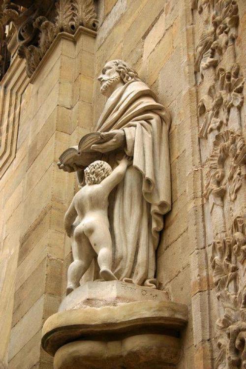 Los Santos Padres, que de santos no tenian nada.