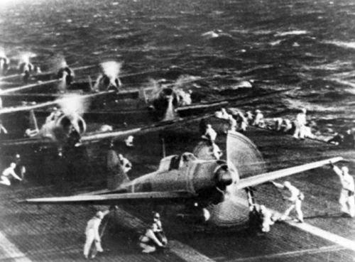 Pesawat tempur Jepang di kapal induk Shokaku