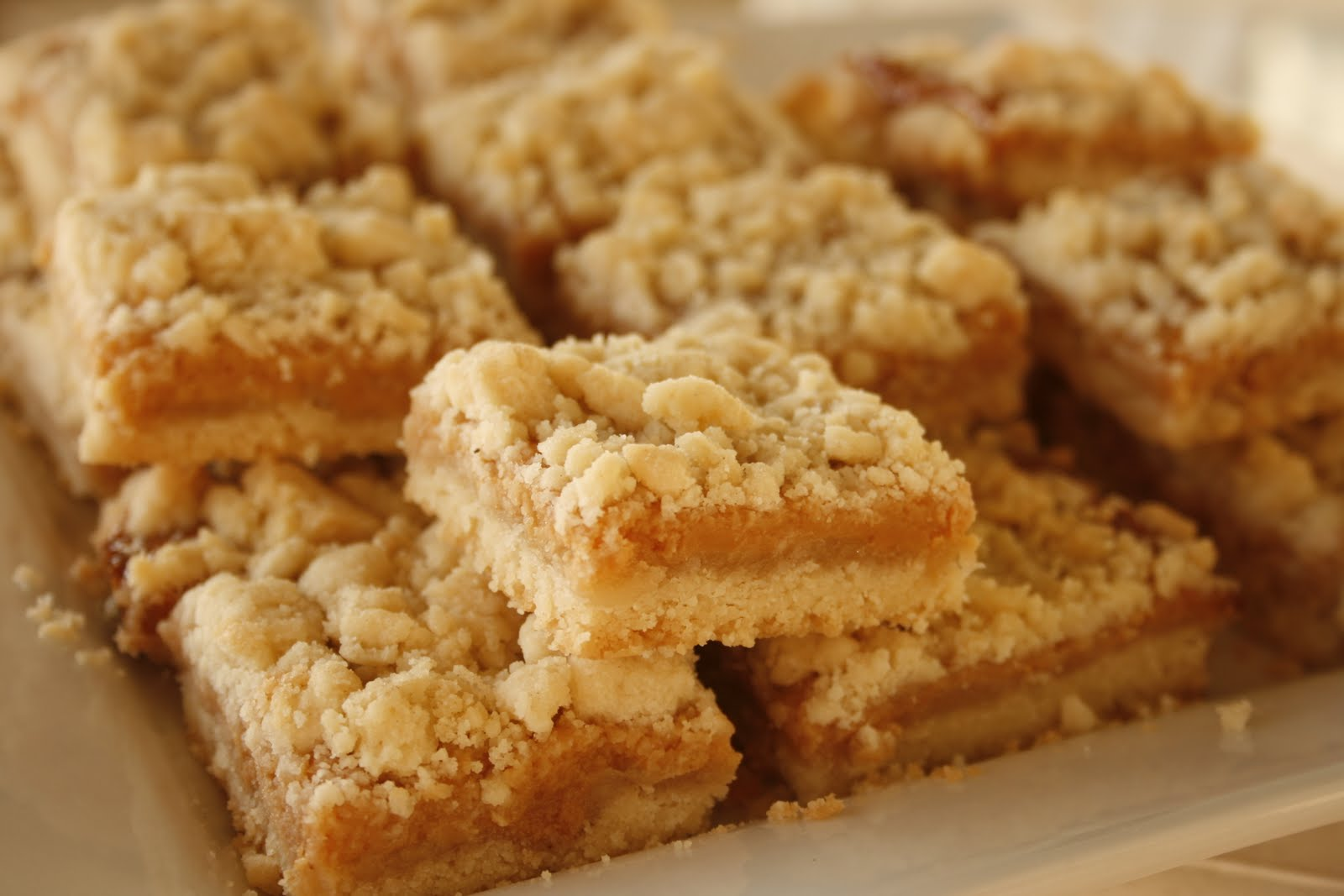 Laura's Sweet Spot: Caramel Crumb Bars
