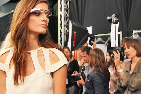 Promovare neasteptata pentru Google Glass: au fost purtati de fotomodelele de la New York Fashion Week