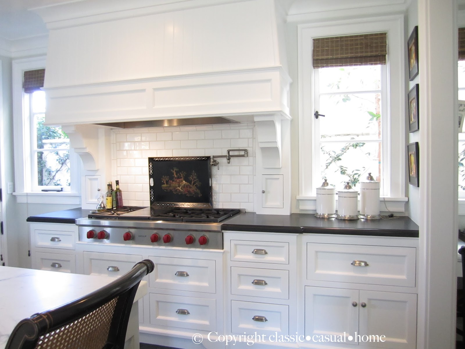 Classic white kitchen backsplashes classic casual home for Pics of white kitchens