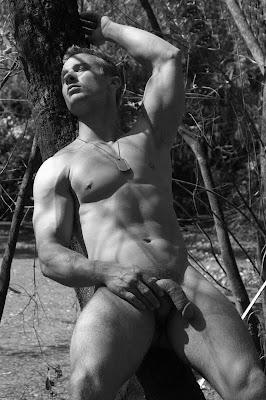Derrick Davenport sexy