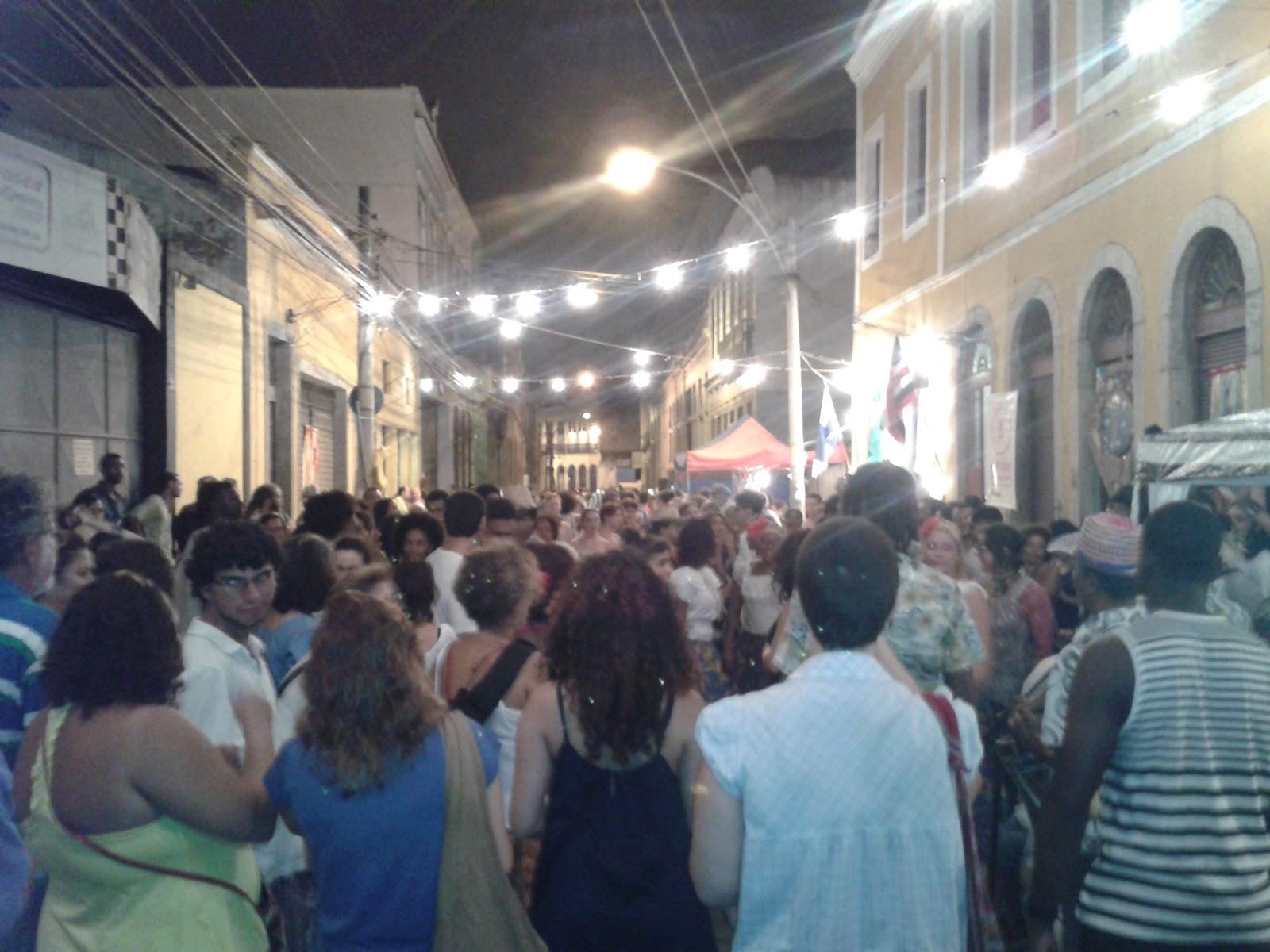 PELENEGRA: O Rio de Janeiro antes de Pereira Passos uma festa  #476C84 1600x1200 Banheiro Coletivo Arquitetura