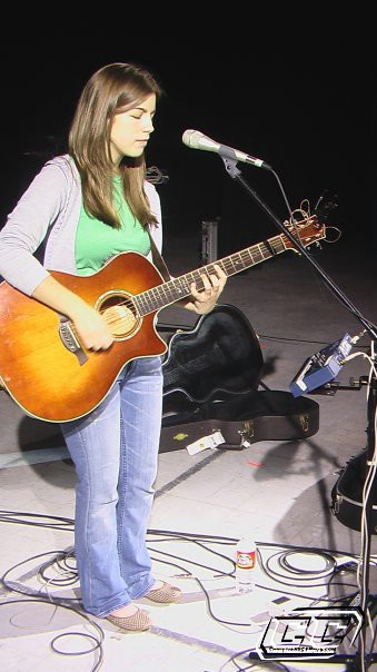 Bethany Dillon - Beautiful The Hits Collection 2011 Tracks and lyrics
