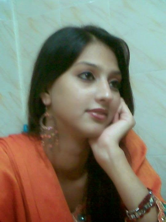 Indian & Pakistani Hot Sexy Desi Real Girls HD Photos