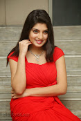 Priyadarshini Glam Pics in Red at Dillunnodu audio-thumbnail-19