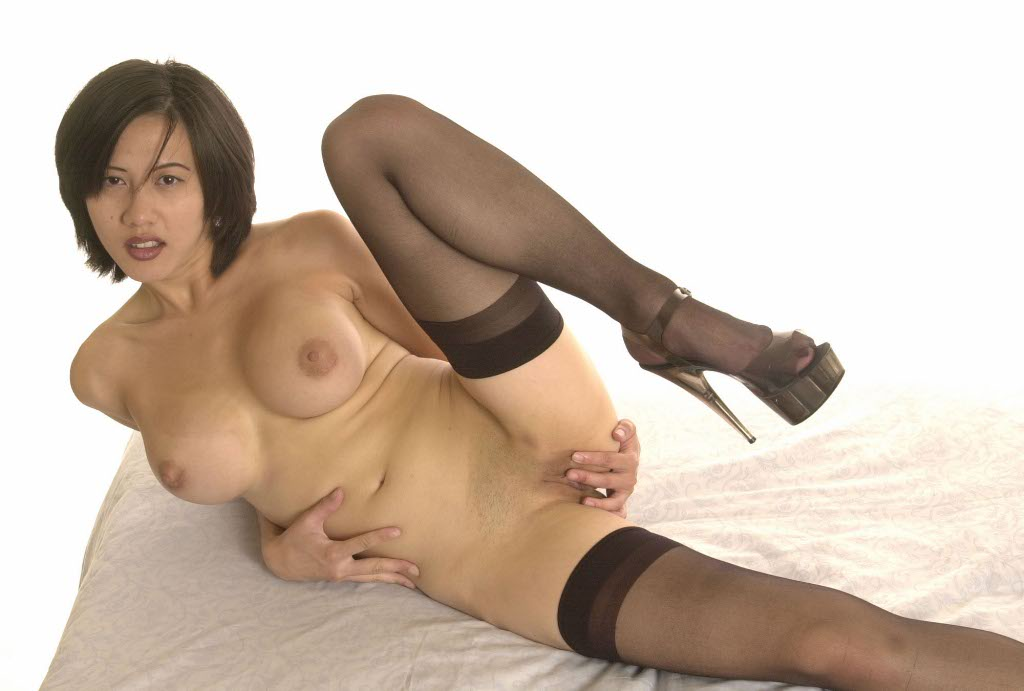 Women masturbating in pantyhose