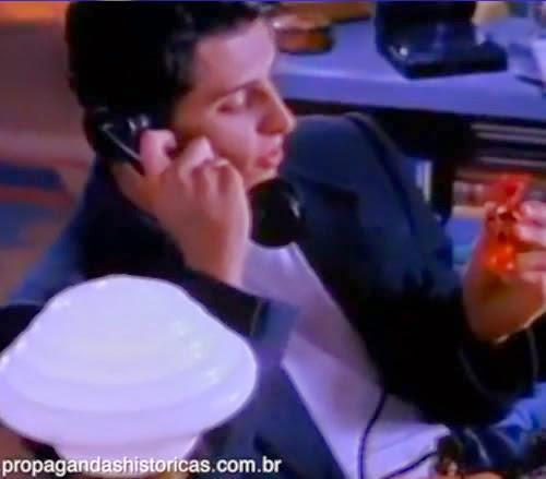 Propaganda do Sonho de Valsa em 1991: amor de dois jovens por telefone.