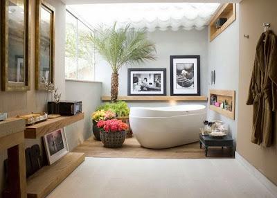 interior kamar mandi minimalis dengan bathtub