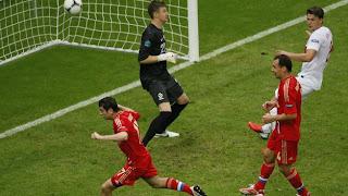 Dzagoev se perfila como goleador