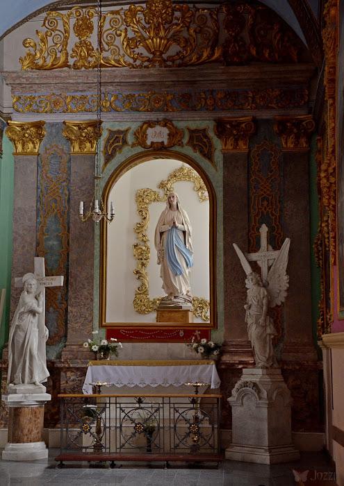 Костел Петра и Павла, правый неф
