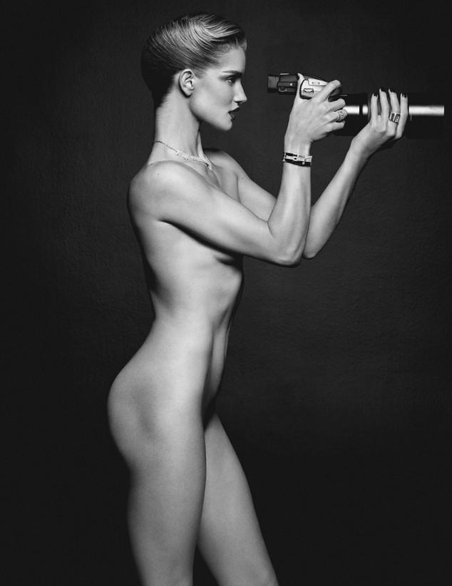 Rosie-Huntinton-Whitley-Naked-Lui-Magazine