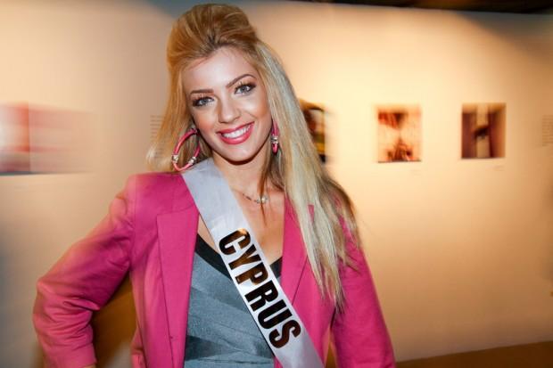 Miss Universe 2011 - Contestants  - Museum Tour-29