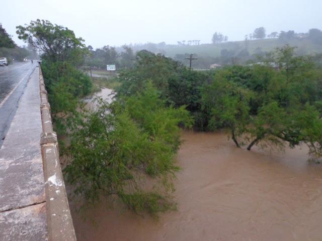 Lidianópolis em estado de Emergência Rio Ivaí Fica Cheio devido o Tempo Chuvoso.