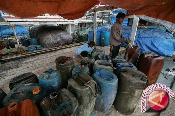 Baru 10 Persen Nelayan Terima BBM Bersubsidi