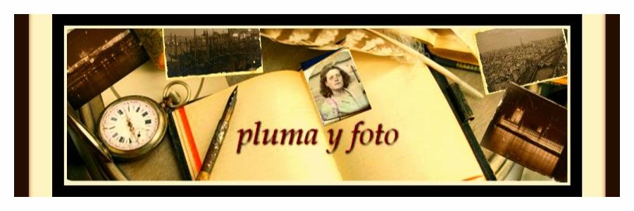 pluma y foto