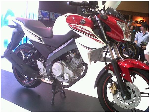 Foto Yamaha New Vixion Black