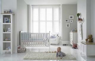 Preparando la llegada del beb para la habitaci n del beb for Perchas bebe ikea