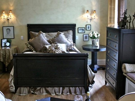 Lovely interior designs the interior for comfortable bedrooms for Room decoration ideas for husband