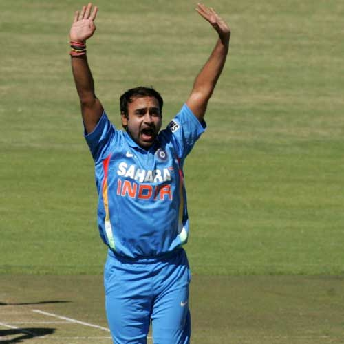 Cricket : Amit Mishra shares Javagal Srinath's world record