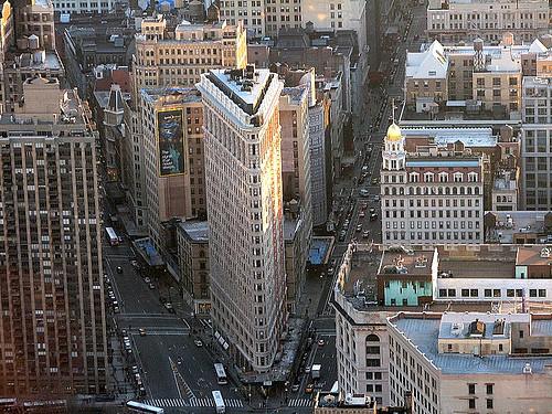 http://1.bp.blogspot.com/-b7yqpd2ulew/TfyfYVAiN0I/AAAAAAAAFRo/tcFwQ3ciw2w/s1600/Flatiron+Building+of+New+York++%252816%2529.jpg