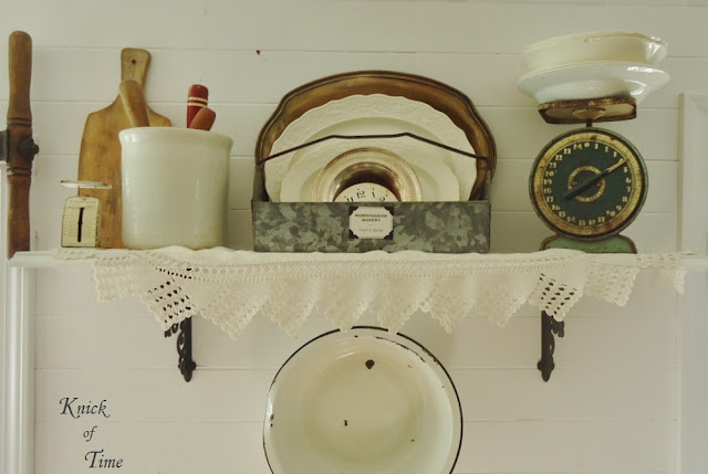 Farmhouse kitchen home decor - www.KnickofTime.net