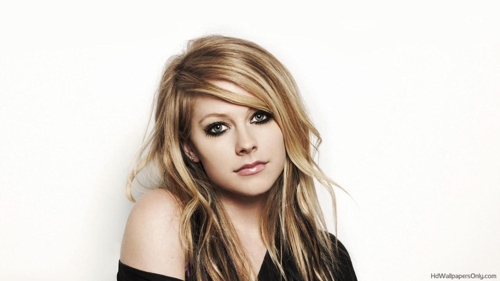 Avril Lavigne 1 Wallpapers: Famoso De La Semana