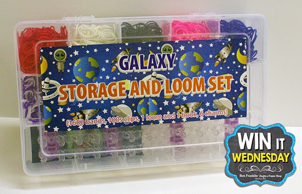 This storage kit includes everything you need to start making loom bracelets: 1 Loom, 1 Hook Tool, 1600 random colored bands, 100 clips and 6 charms.