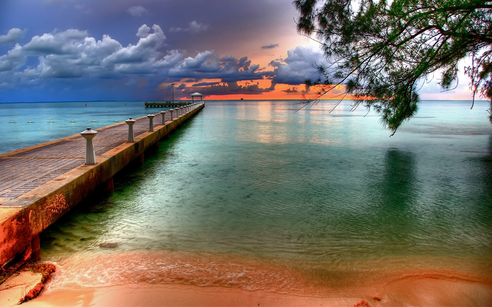 http://1.bp.blogspot.com/-b8YPUpXLA0c/UG15BXHddaI/AAAAAAAAD6g/LacoE4WgWfQ/s1600/rum_point_wallpaper_cayman_islands_world_hd-wallpaper.jpg