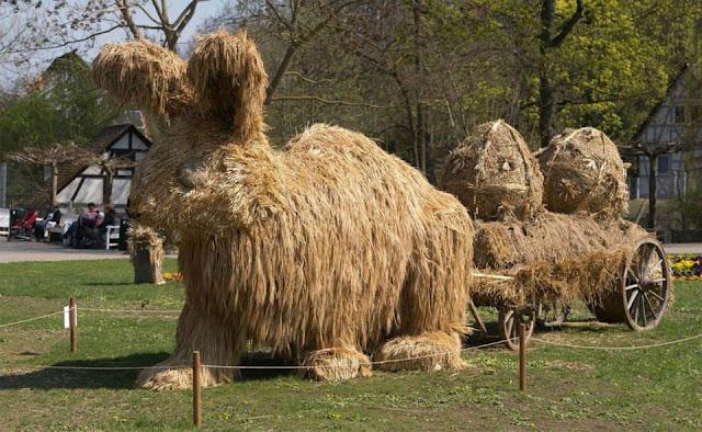 Esculturas de paja
