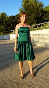 Vestido de fiesta de raso verde