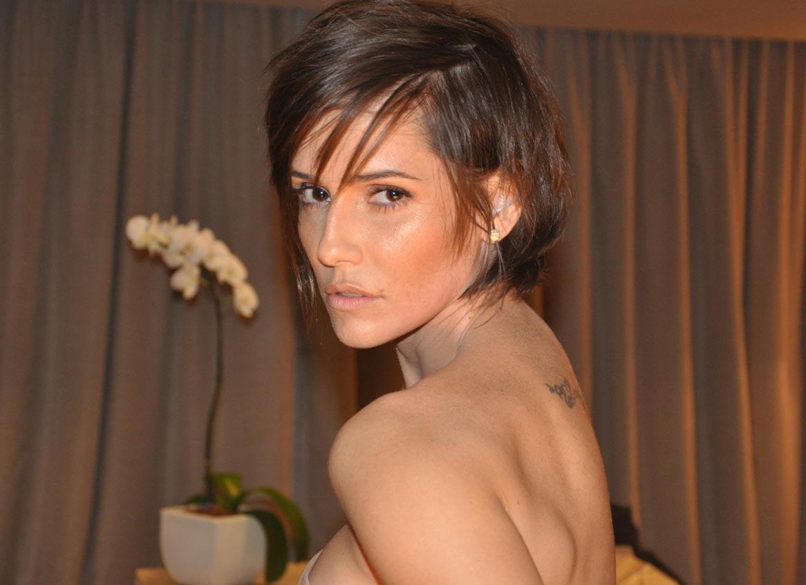 Deborah Secco Muda O Cabelo E Fica Parecida A Victoria Beckham