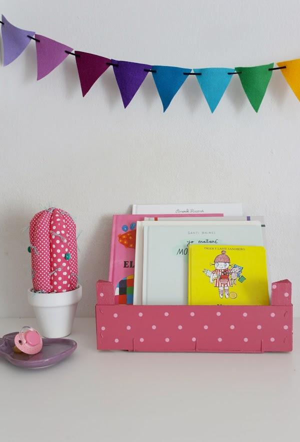 Lalole blog reciclar cajitas de fresas con pintura - Cajones guarda juguetes ...
