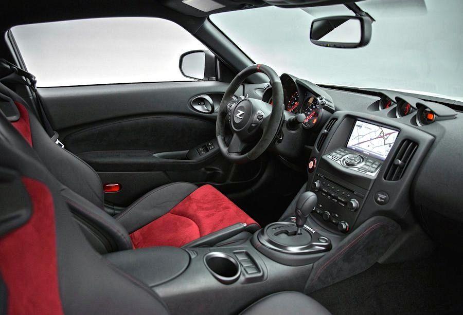 「フェアレディZ NISMO」(370Z NISMO)の2015年モデル