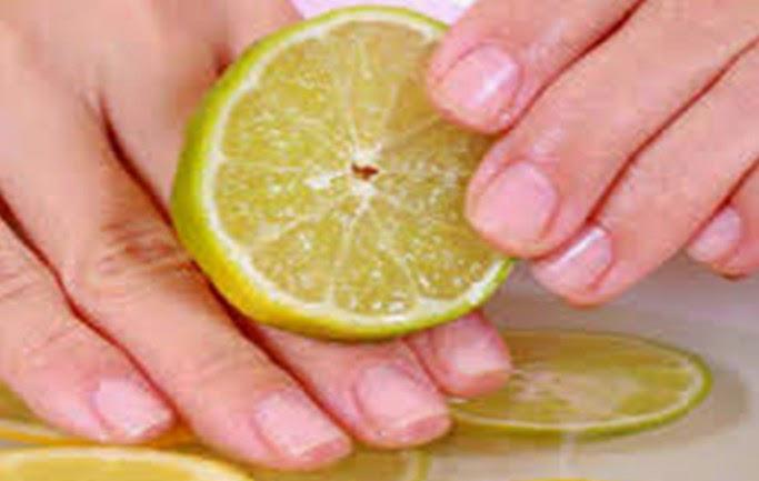 lemon dapat digunakan untuk merawat kuku agar lebih sehat dan kuat