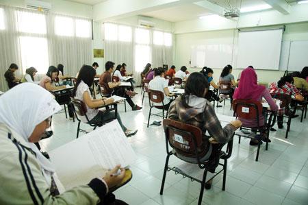 """Kuliah Dapat Ijasah """"BODONG""""? WASPADA!! Ini Daftar Kampus yang Sudah di NON-AKTIFkan Oleh Dikti di Seluruh Indonesia (UPDATE)"""