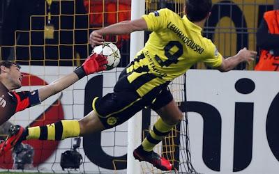 Gol Lewandowski contra o real madrid na ucl