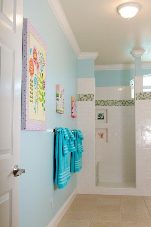 Incorporating Children\'s Artwork into Your Home Decor