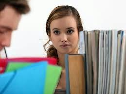 ciri--ciri wanita tertarik sama pria