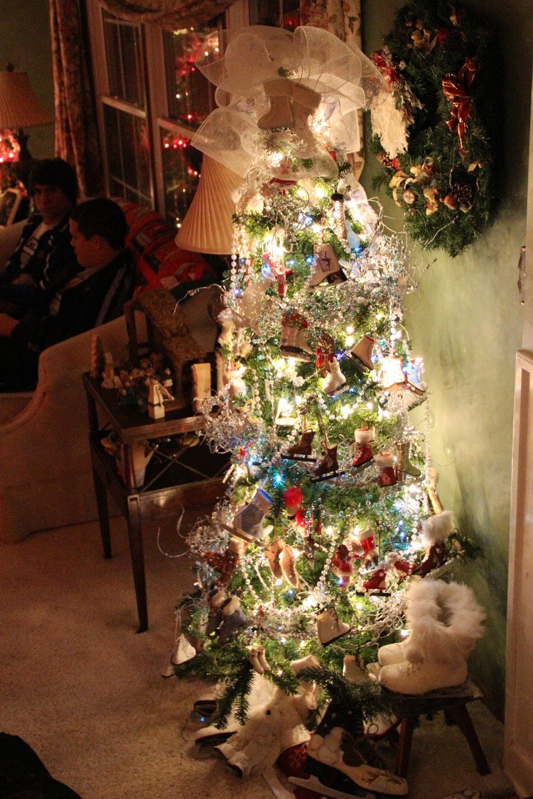 priscillas  christmas living room 2011