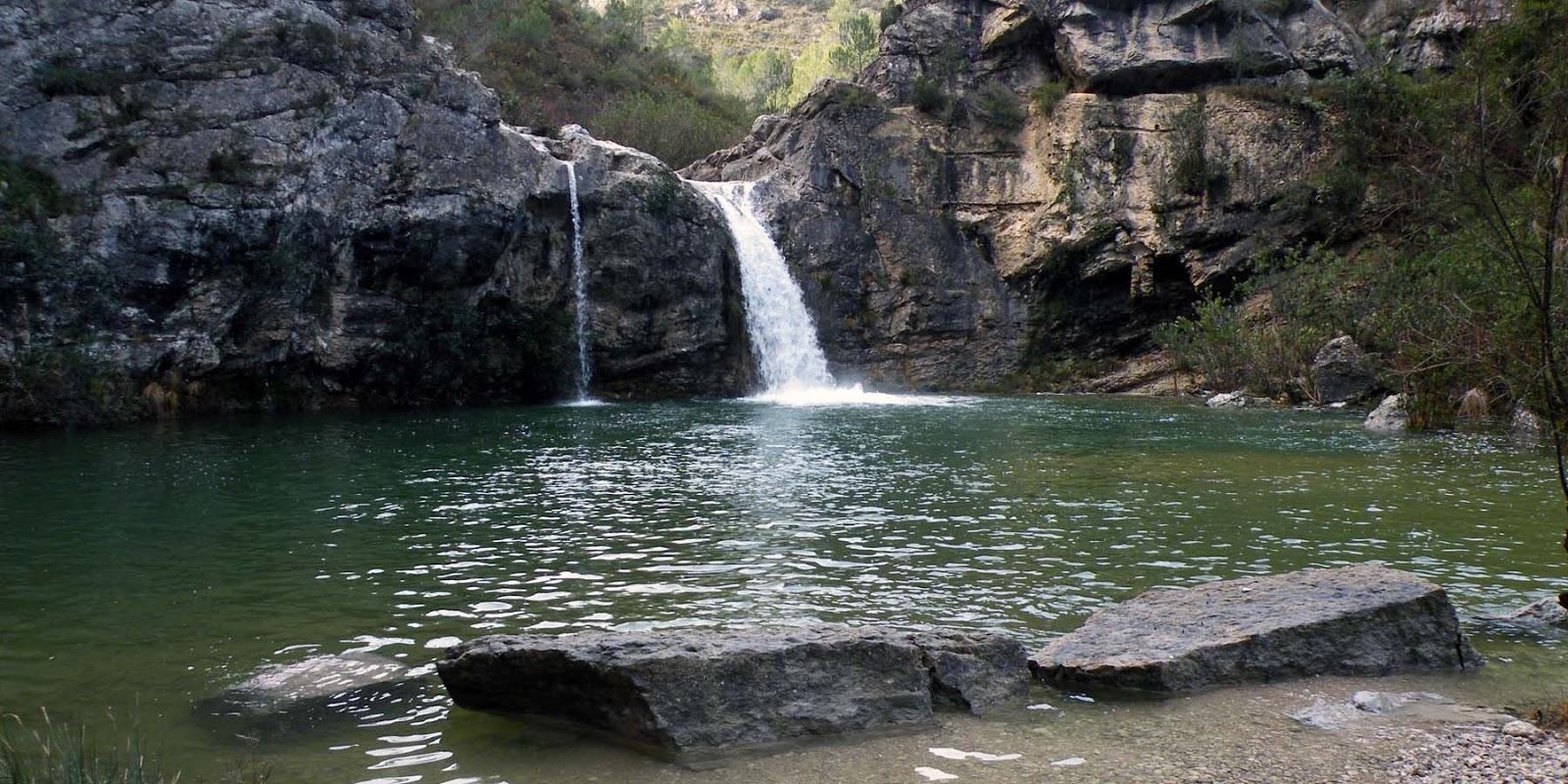 Alicante a pie planes y el barranco de la encantada for Piscinas naturales alicante
