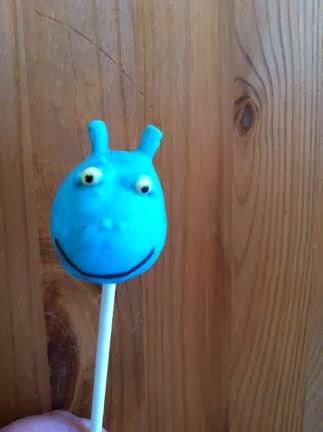 Les gourmandises de coco docteur la peluche cakepop toufy le dragon bleu - Toufy docteur la peluche ...