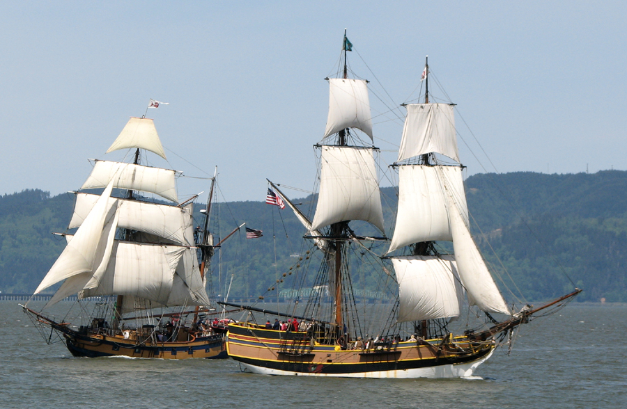 Sailing ships Lady Washington and Hawaiian Chief