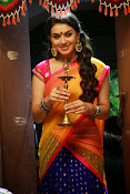 Hansika motwani photos from aranmanai-thumbnail-7