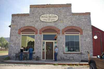 Michigoose's gander at quilts & life: On the Outside Looking in ... : montana quilt shops - Adamdwight.com