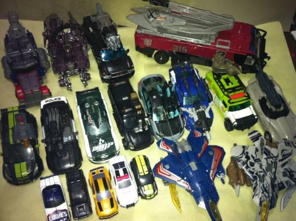 transformers 3 toys starscream. The toy uses the Starscream