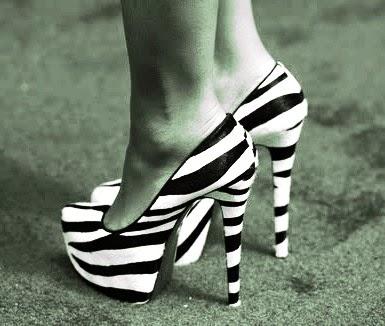 bahaya-sepatu-hak-tinggi