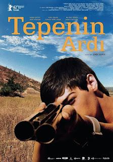 Tepenin Ardi - Hinter dem Hügel